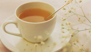 Uống mật ong với nước ấm để tăng cân